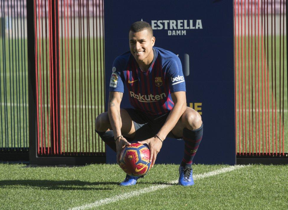 تقديم جيسون موريللو لاعب جديد في صفوف نادي برشلونة 1545912909_078282_1545914512_album_grande