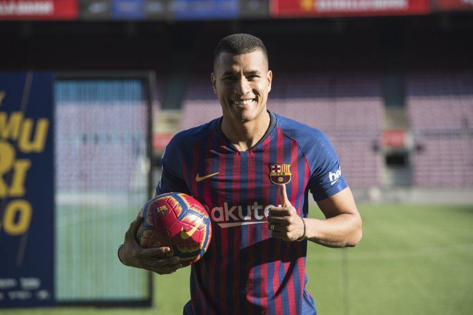 تقديم جيسون موريللو لاعب جديد في صفوف نادي برشلونة 1545912909_078282_1545914513_album_grande