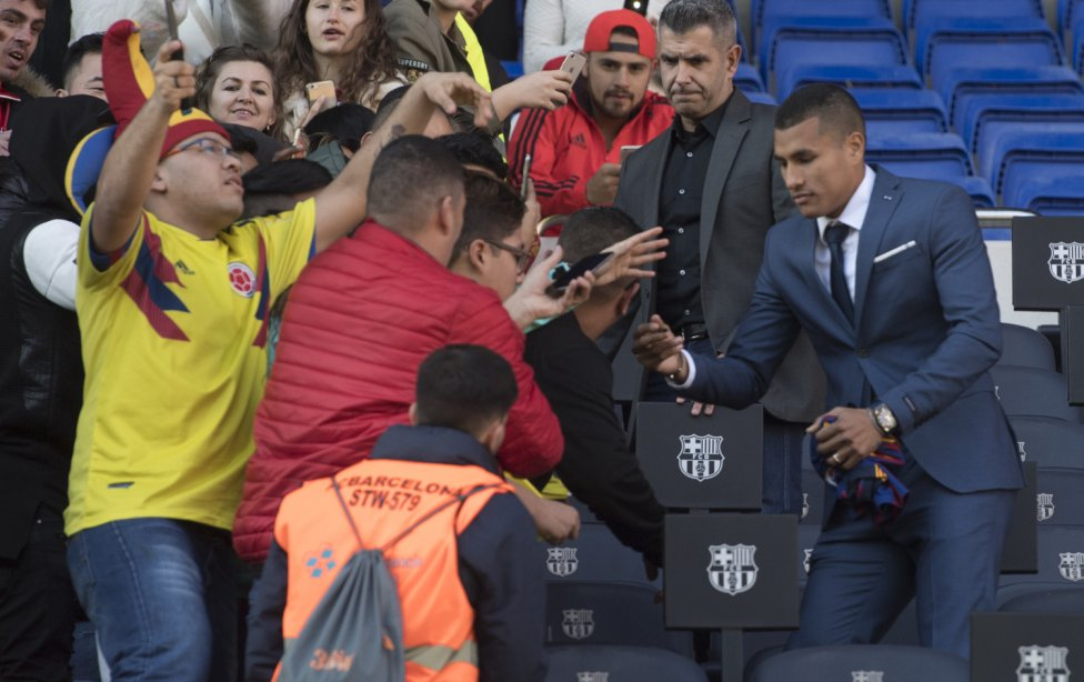 تقديم جيسون موريللو لاعب جديد في صفوف نادي برشلونة 1545912909_078282_1545914516_album_grande