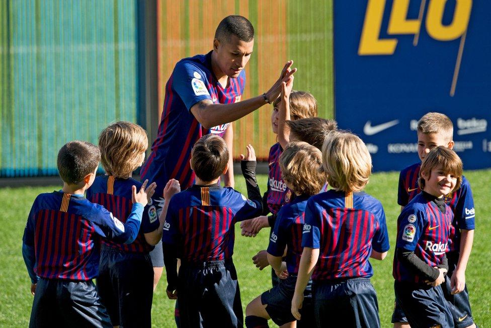 تقديم جيسون موريللو لاعب جديد في صفوف نادي برشلونة 1545912909_078282_1545914567_album_grande