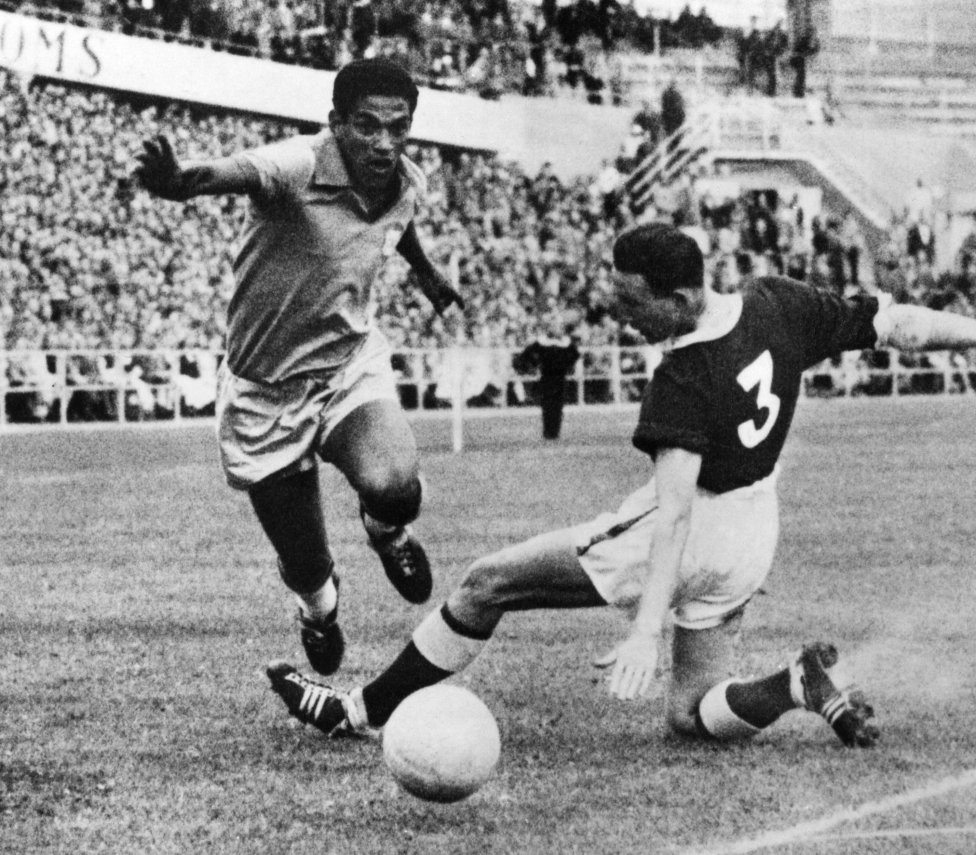 Futbolistas que triunfaron con un pseudónimo. Garrincha Manuel Francisco dos Santos