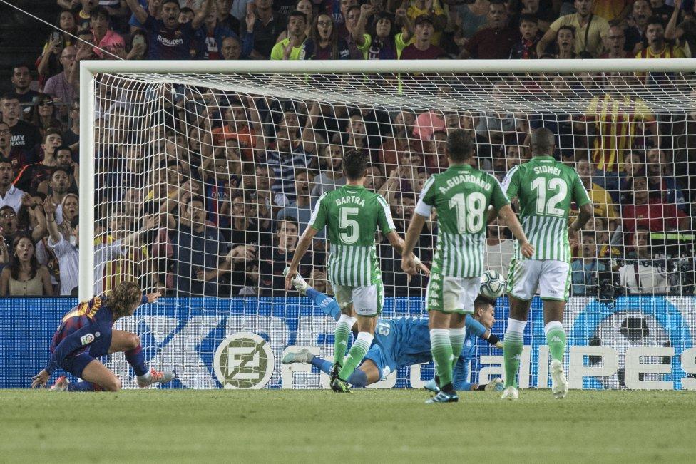 صور مباراة : برشلونة - بيتيس 5-2 ( 25-08-2019 )  1566760507_202920_1566763251_album_grande