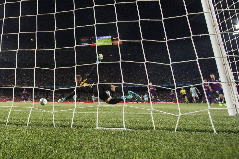 صور مباراة : برشلونة - بيتيس 5-2 ( 25-08-2019 )  1566760507_202920_1566764233_album_grande