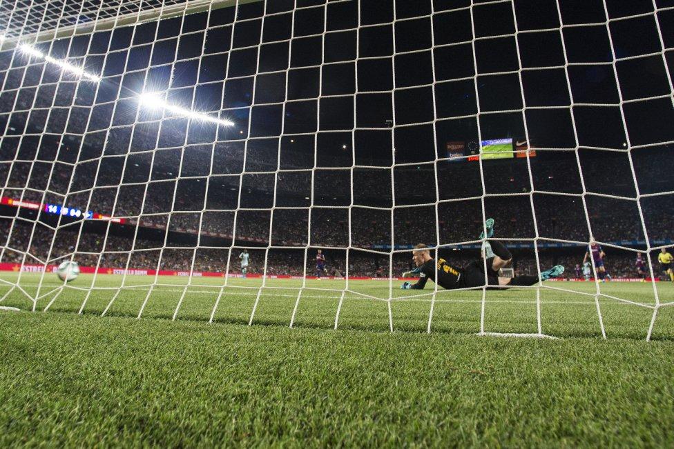 صور مباراة : برشلونة - بيتيس 5-2 ( 25-08-2019 )  1566760507_202920_1566764234_album_grande