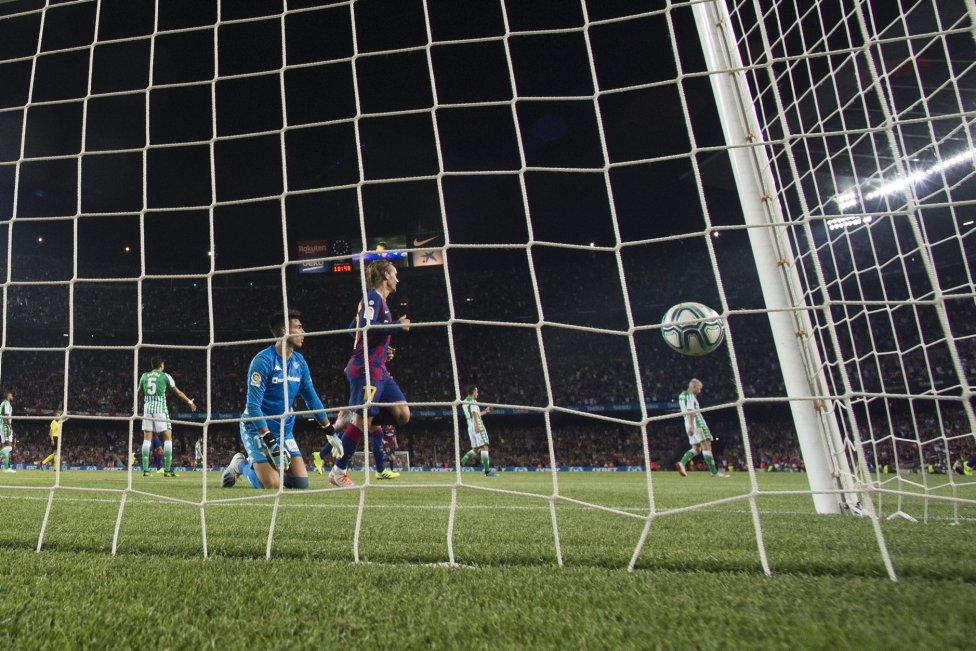 صور مباراة : برشلونة - بيتيس 5-2 ( 25-08-2019 )  1566760507_202920_1566769259_album_grande