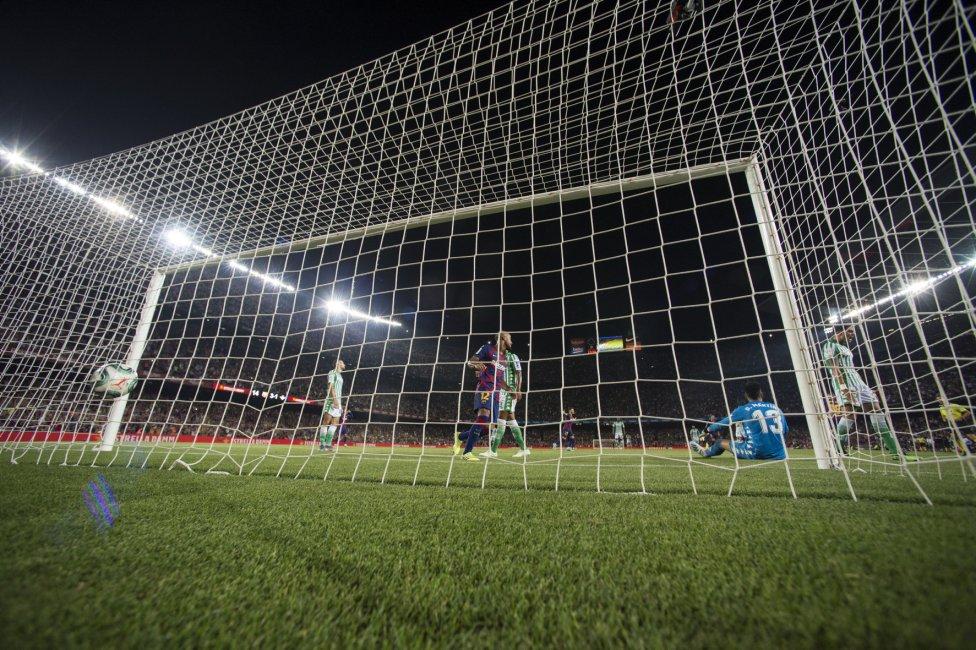 صور مباراة : برشلونة - بيتيس 5-2 ( 25-08-2019 )  1566760507_202920_1566769691_album_grande