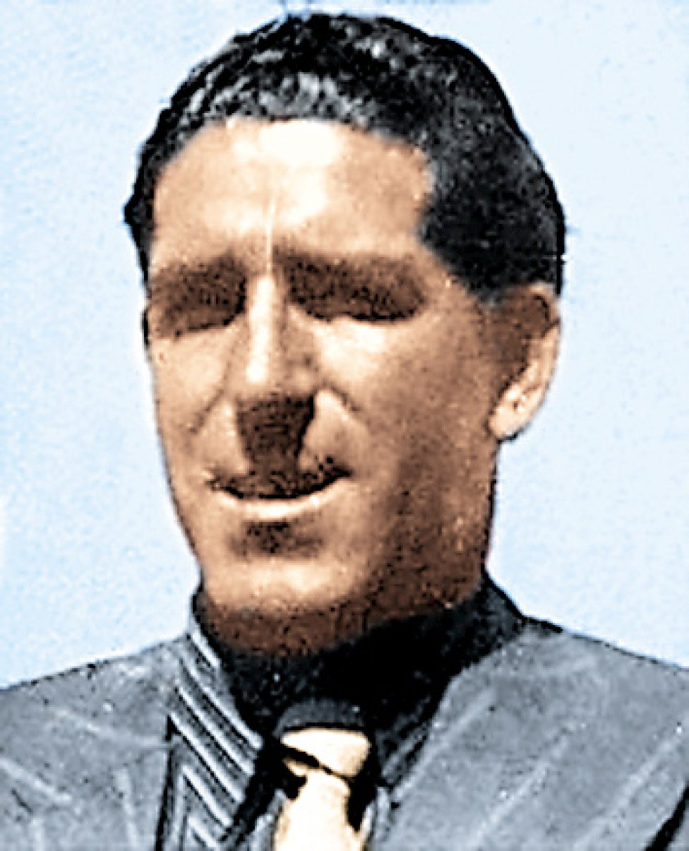Arana Jugó en el Barcelona la temporada 1934-35 y vistió la camiseta del Osasuna la temporada 1935-36.
