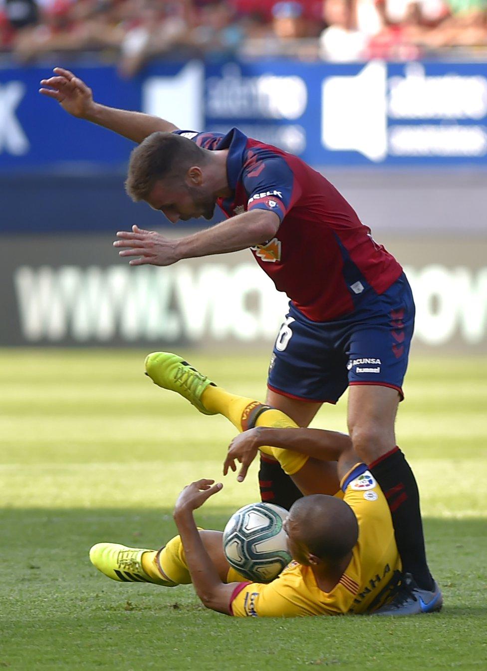 صور مباراة : أوساسونا - برشلونة 2-2 ( 31-08-2019 )  1567266822_968525_1567267675_album_grande
