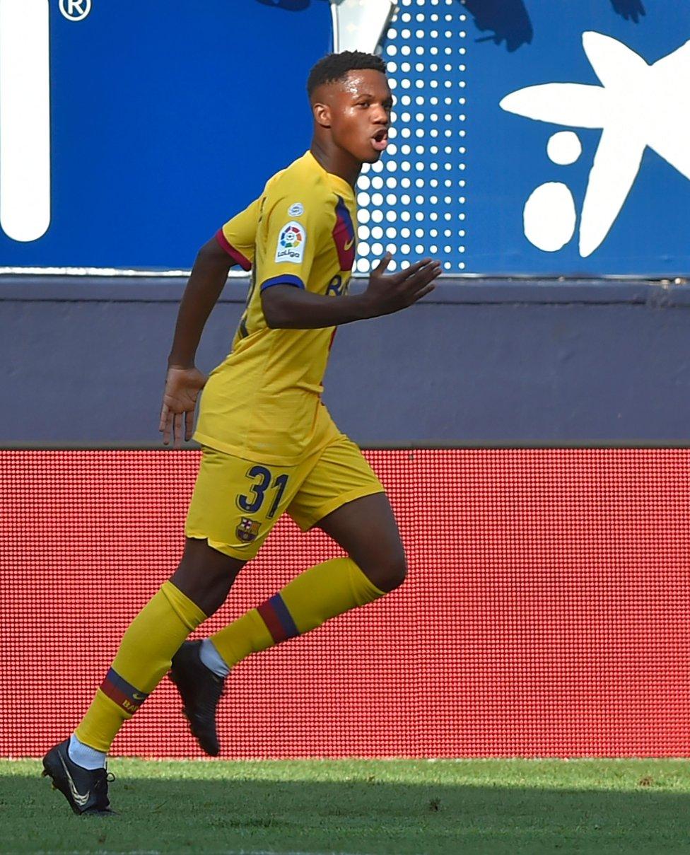 صور مباراة : أوساسونا - برشلونة 2-2 ( 31-08-2019 )  1567266822_968525_1567268553_album_grande