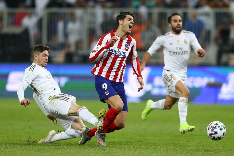 Fede Valverde fue expulsado por una falta sobre Álvaro Morata cuando encaraba en solitario hacia la portería.