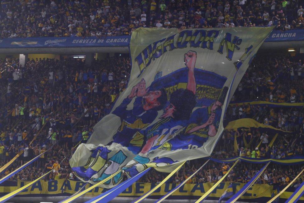 El Boca Juniors ganó la Superliga Argentina ante la mirada del ídolo Maradona, que recibió el homenaje de toda su familia futbolística.