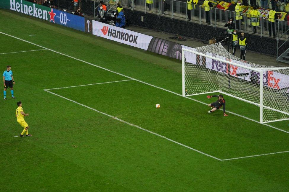 Penalti 1. Gerard Moreno marca el 1-0.