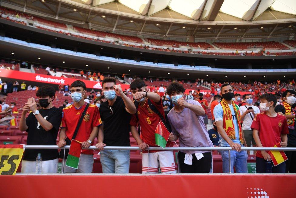 Aficionados en el estadio Wanda Metropolitano.