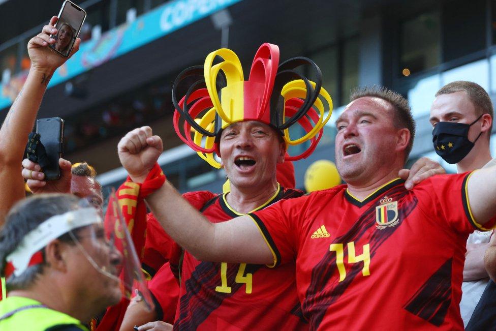 Seguidores de Bélgica en las gradas