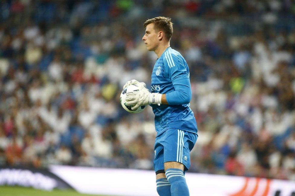 El portero ucraniano llegó a Chamartín procedente del Zorya Luhansk. Sin apenas oportunidad y cedido en el Oviedo, Valladolid y Leganés, es el segundo guardameta del equipo desde la pasada temporada.