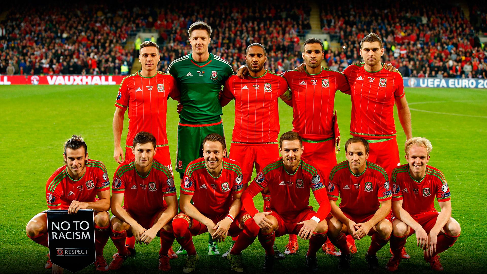 Bale metió prácticamente solo a Gales en la primera fase final desde ...