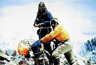 Hillary no quiere otro nombre para el Everest