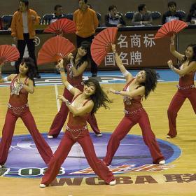 Las cheerleaders afrontan el reto de gustar en Pekín