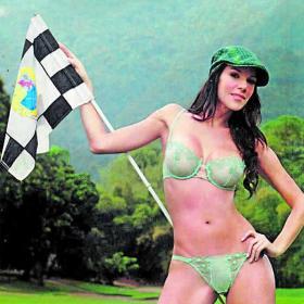 LAS CHICAS DEL AS - LA CONTRAPORTADA - Página 4 Alejandra_fanatica_golf_Madrid