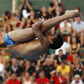 Javier Illana pierde la medalla en los dos últimos saltos