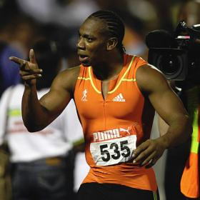 Yohan Blake gana el primer envite antes de los Juegos