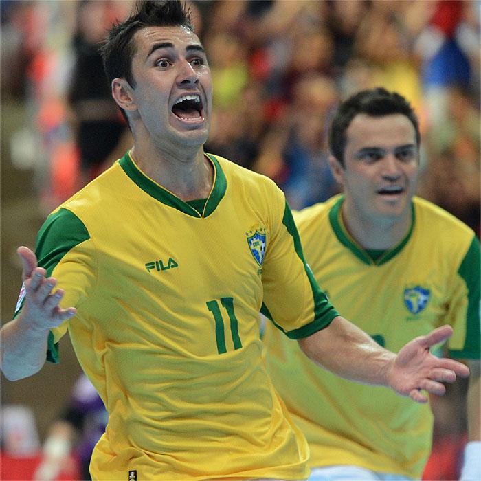 Neto gana el Balón de Oro y Kike el Balón de Plata