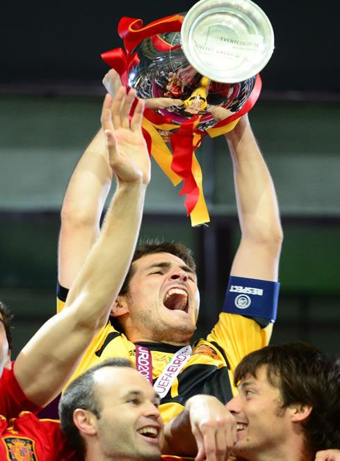 Iker sumó otra Eurocopa y otra Liga a su palmarés