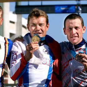 El COI le quitará a Armstrong su medalla cuando le informe
