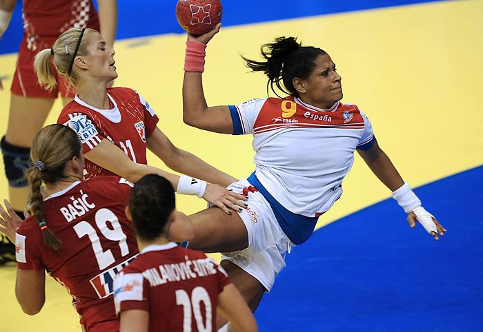 Marta Mangué mete a España en la segunda ronda