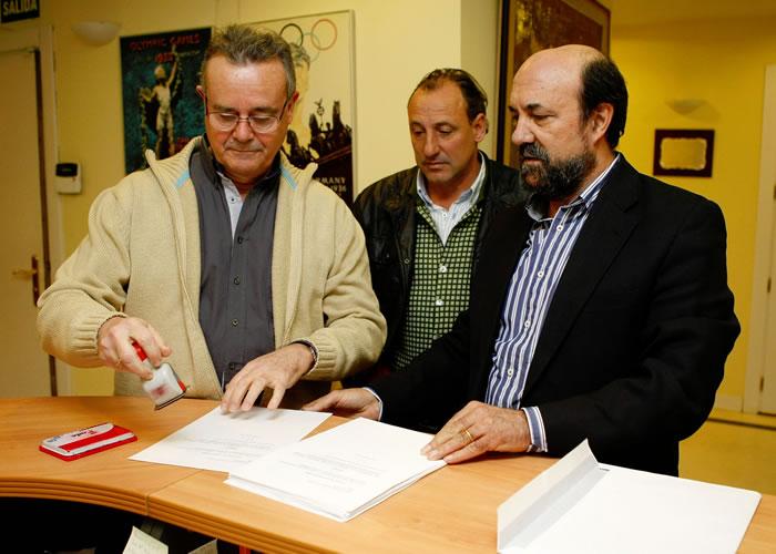 José María Odriozola presentó 121 avales y Vicente Añó, 50