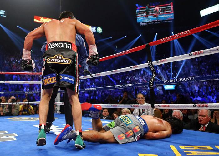 Márquez se asustó porque Pacquiao no se levantaba