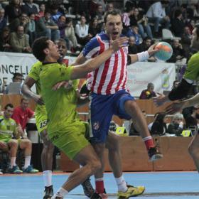 El Atlético, finalista al ganar con sufrimiento al Naturhouse
