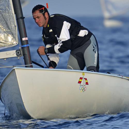 España logra dos medallas de oro: en Finn y en 29er.