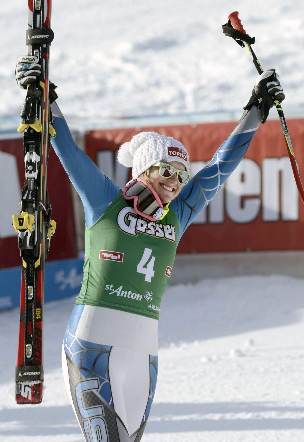 Alice McKennis sorprende en el descenso de Sankt Anton
