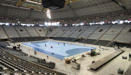 El peso de la piscina obliga a reforzar el Palau Sant Jordi