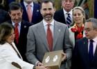 El Príncipe apoya a Madrid 2020 y recibe el dossier oficial
