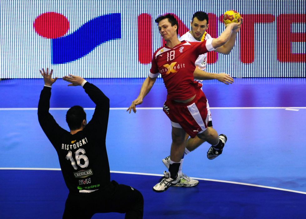 Dinamarca pasa a octavos con un pleno de cinco victorias
