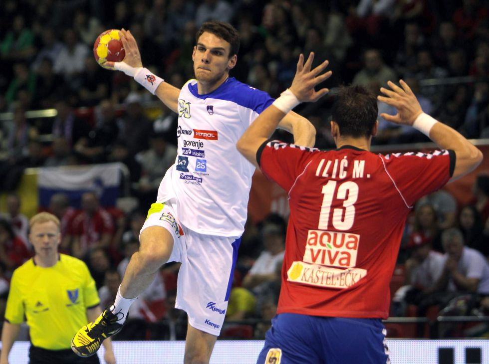 Eslovenia gana al final y deja a Serbia como rival de España