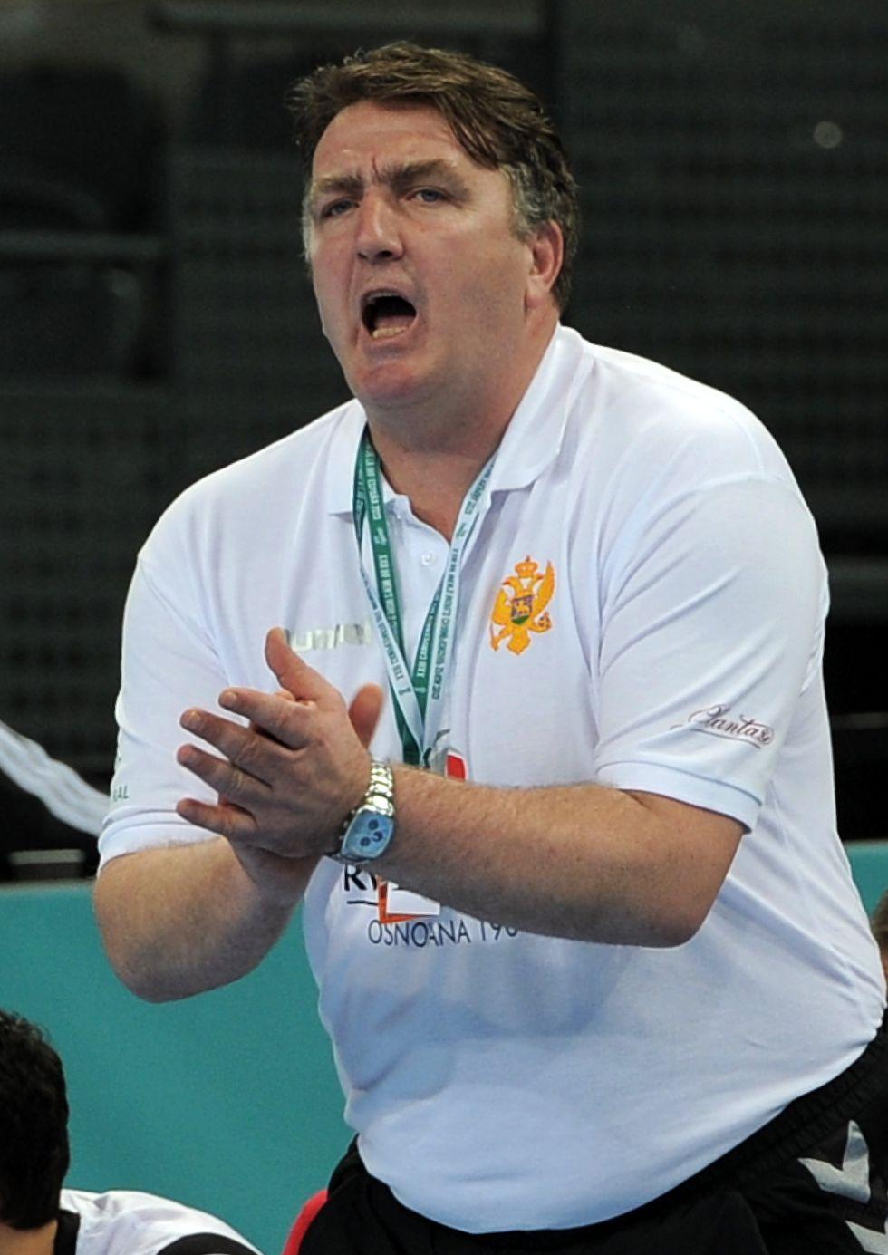 Montenegro obliga a Chile a luchar por el último puesto