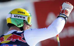Dominik Paris alcanza la gloria en el abismo de Kitzbühel