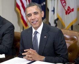 """Obama: """"Me pensaría dejar a un hijo jugar al fútbol americano"""""""