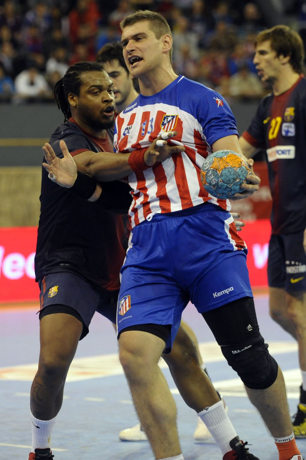 Barcelona y Atleti, los únicos 'profesionales' en la Asobal