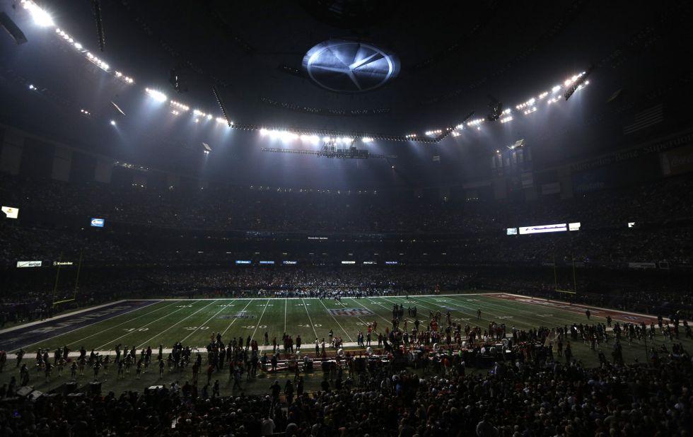 El apagón en la Super Bowl, por el fallo de un dispositivo