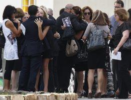 El funeral por Steenkamp es oficiado en Port Elizabeth