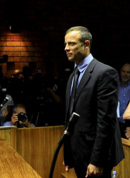 Un testigo oyó discutir en casa de Pistorius antes del crimen
