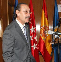 """El decano del INEF: """"Sólo dimiten el Papa y Sampedro, que soy yo"""""""