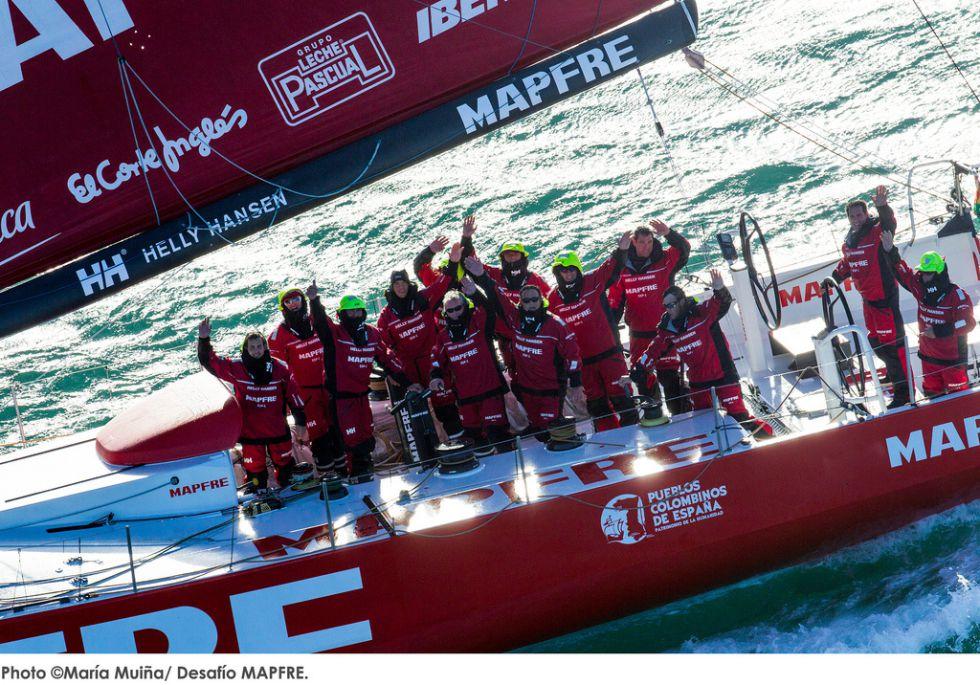 El 'Mapfre' establece un récord transatlántico inédito