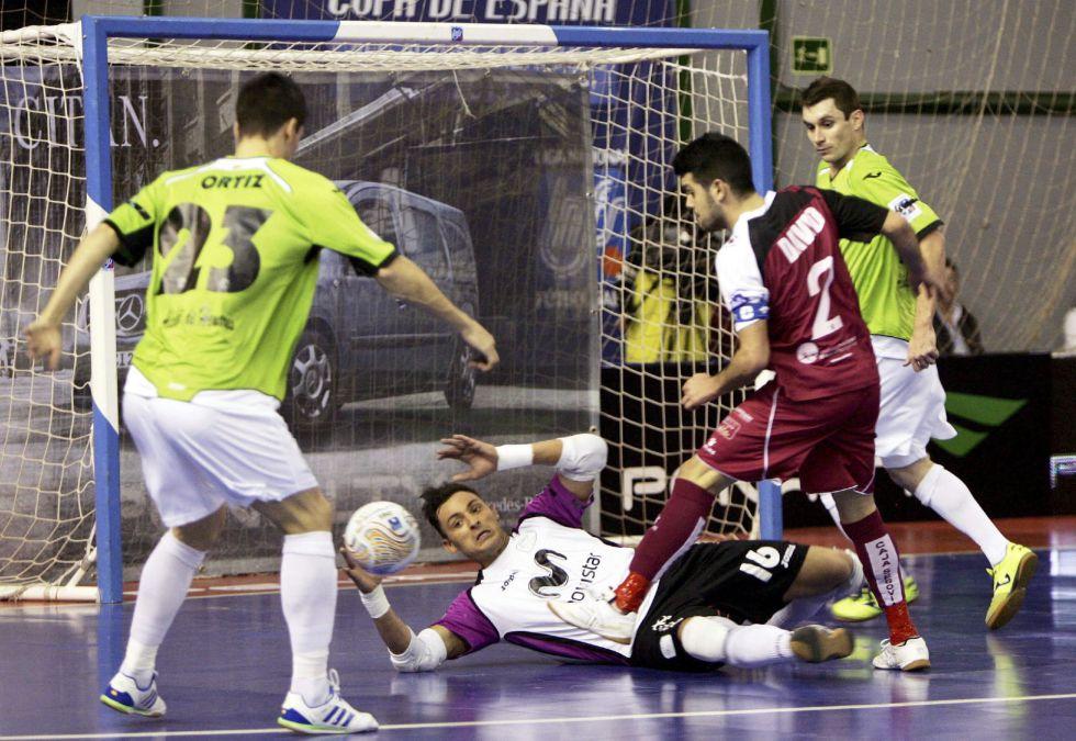 Caja Segovia da la sorpresa y elimina al anfitrión en penaltis