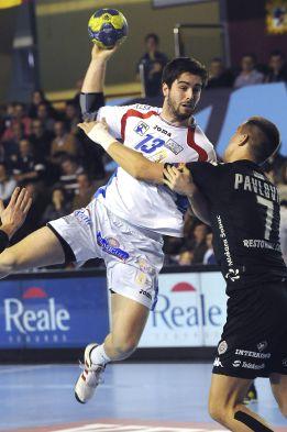 Ademar vuelve a apoyarse en Ruesga y Malumbres para ganar