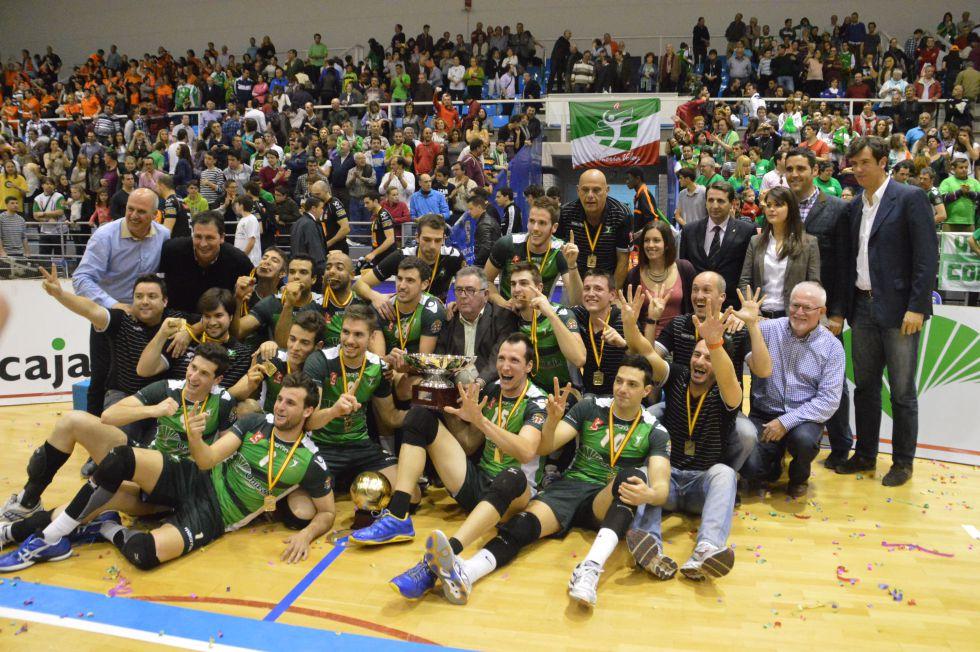 El Unicaja Almería conquista la Liga tras derrotar al CAI Teruel